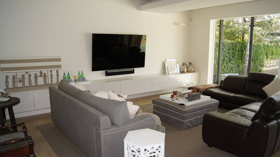 Wall mounted TV and SONOS Sound bar